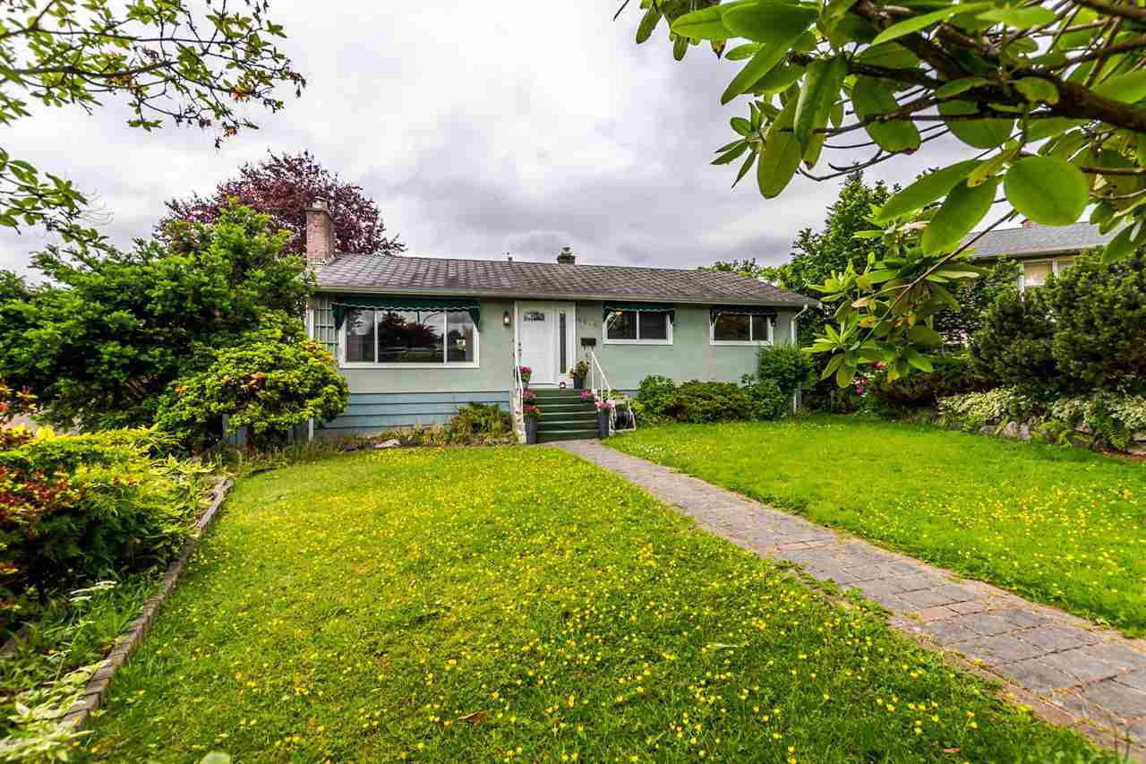 Main Photo: 4676 CHARLOTTE COURT in Burnaby: Forest Glen BS House for sale (Burnaby South)  : MLS®# R2177175