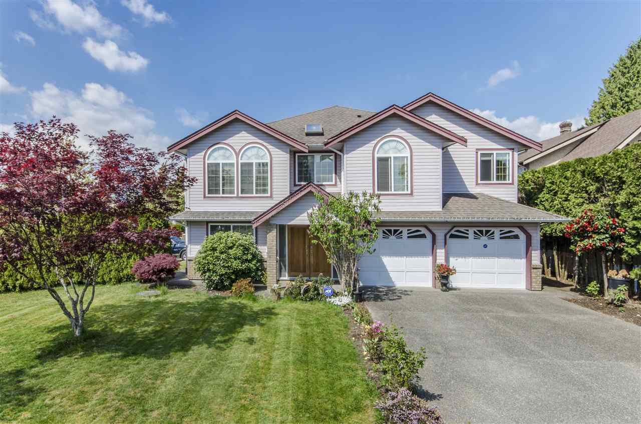 Main Photo: 20925 ALPINE Crescent in Maple Ridge: Northwest Maple Ridge House for sale : MLS®# R2262965