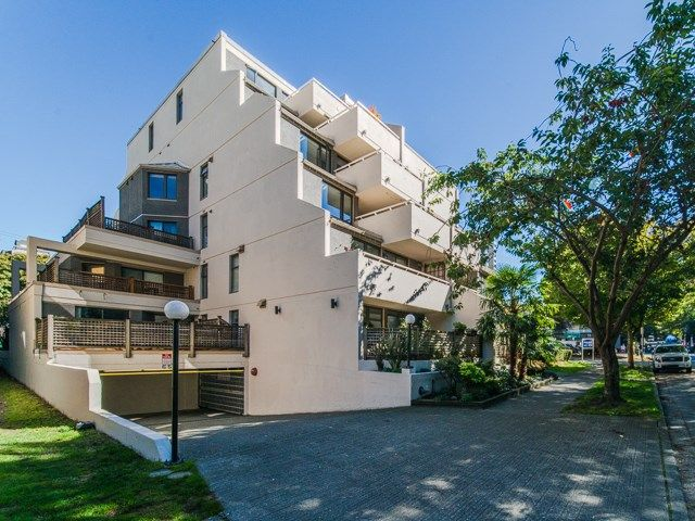 """Main Photo: PH4 1819 PENDRELL Street in Vancouver: West End VW Condo for sale in """"PENDRELL PLACE"""" (Vancouver West)  : MLS®# R2297256"""