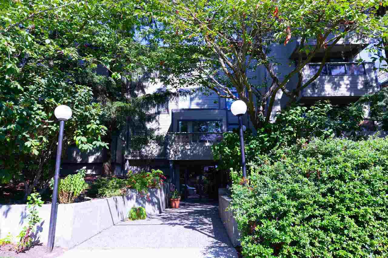 """Main Photo: 309 225 MOWAT Street in New Westminster: Uptown NW Condo for sale in """"THE WINDSOR"""" : MLS®# R2304742"""