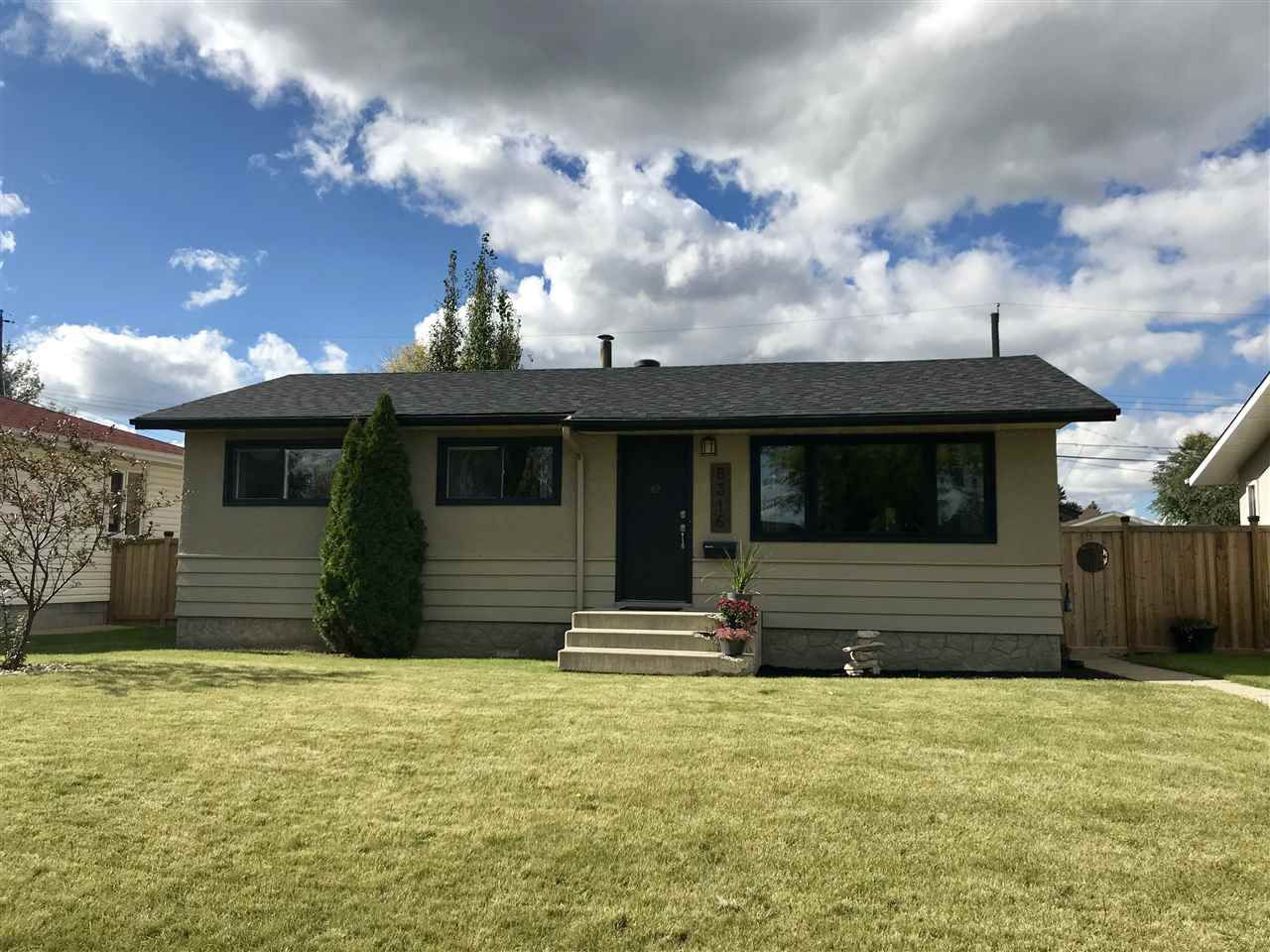 Main Photo: 8316 163 St NW in Edmonton: Zone 22 House for sale : MLS®# E4129178