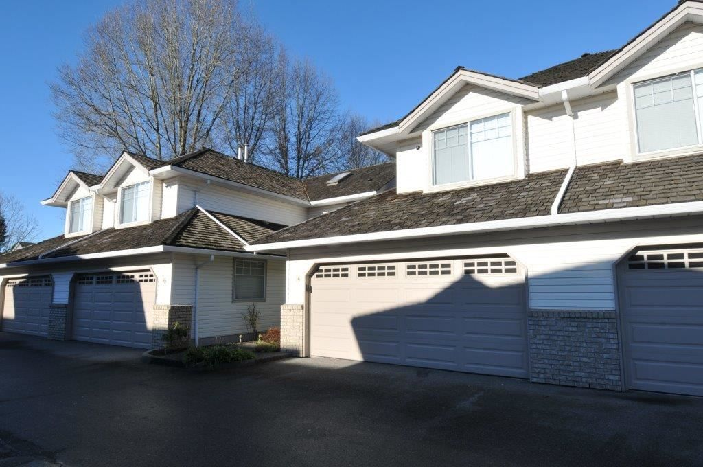 """Main Photo: 14 19051 119 Avenue in Pitt Meadows: Central Meadows Townhouse for sale in """"Park Meadows Estates"""" : MLS®# R2332148"""