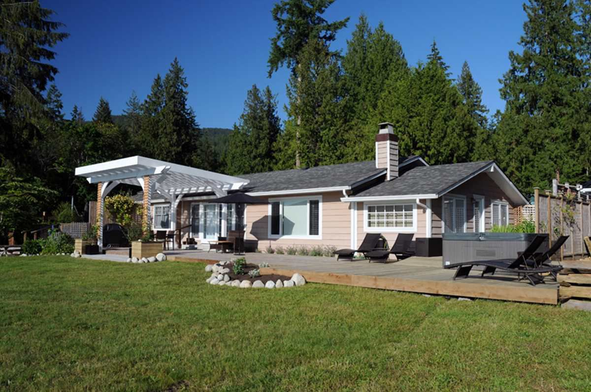 Main Photo: 6173 & 6179 SECHELT INLET Road in Sechelt: Sechelt District House for sale (Sunshine Coast)  : MLS®# R2341719