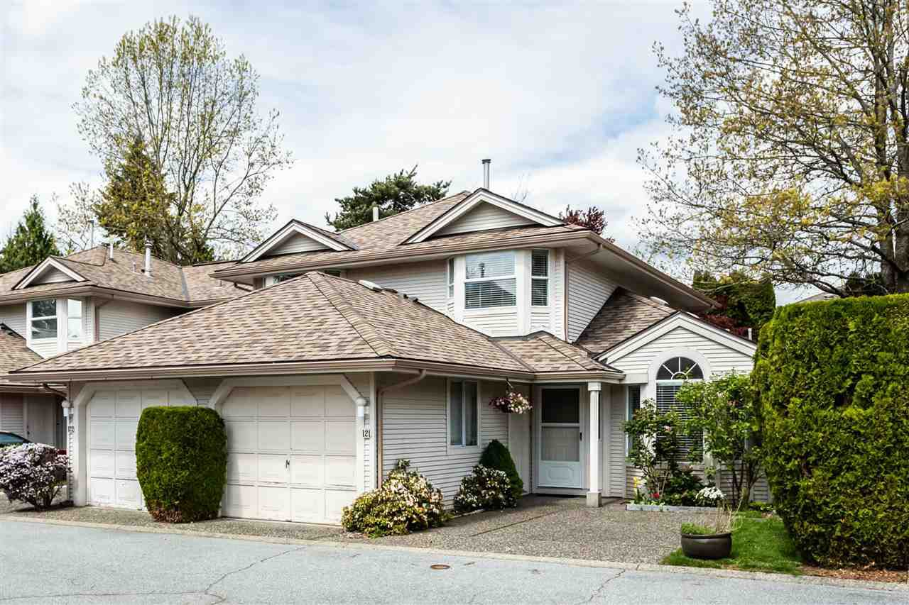 """Main Photo: 121 9045 WALNUT GROVE Drive in Langley: Walnut Grove Townhouse for sale in """"Bridlewoods"""" : MLS®# R2363597"""