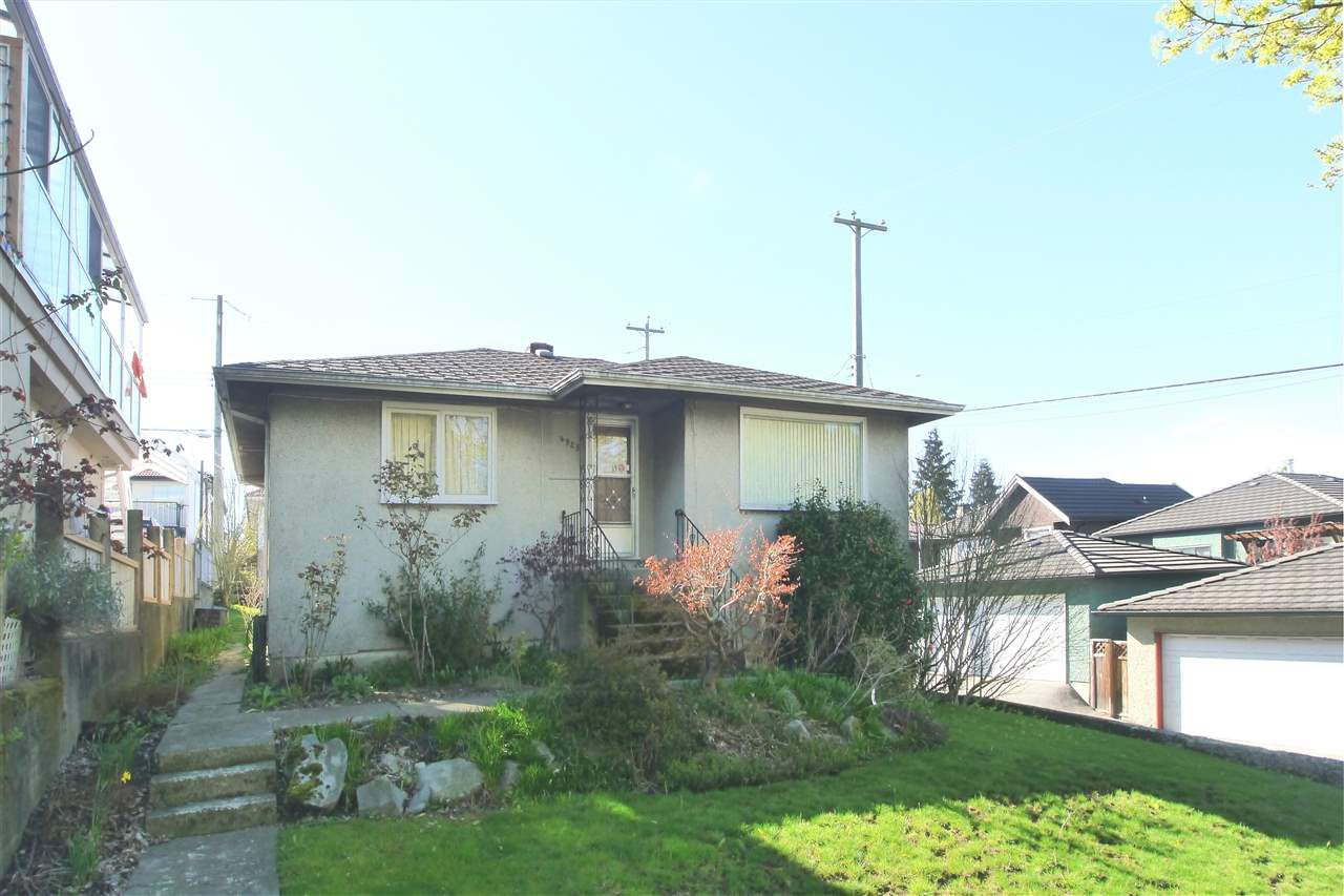 Main Photo: 4925 SHERBROOKE Street in Vancouver: Knight House for sale (Vancouver East)  : MLS®# R2378233