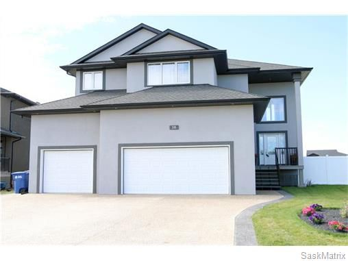 Main Photo: 38 CHURCHILL Crescent: White City Single Family Dwelling for sale (Regina NE)  : MLS®# 573416