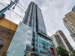 """Main Photo: 2003 833 SEYMOUR Street in Vancouver: Downtown VW Condo for sale in """"CAPITAL RESIDENCES"""" (Vancouver West)  : MLS®# R2087892"""