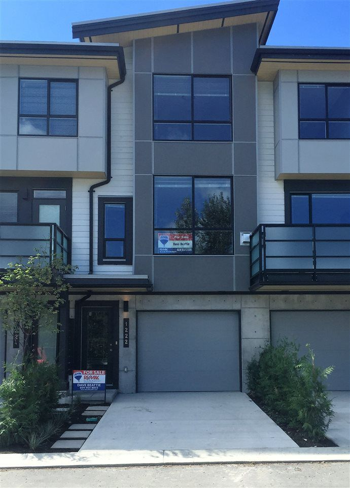 "Main Photo: 1222 SHANNON Lane in Squamish: Downtown SQ Townhouse for sale in ""The Falls at Eaglewind"" : MLS®# R2107690"