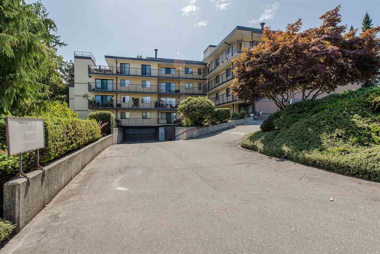 Main Photo: 301 32110 TIMS Avenue in Abbotsford: Abbotsford West Condo for sale : MLS®# R2204413