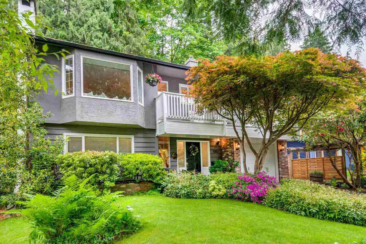 "Main Photo: 1061 KINLOCH Lane in North Vancouver: Deep Cove House for sale in ""Deep Cove"" : MLS®# R2270628"
