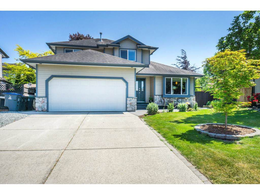 Main Photo: 18276 68A Avenue in Surrey: Cloverdale BC House for sale (Cloverdale)  : MLS®# R2271125