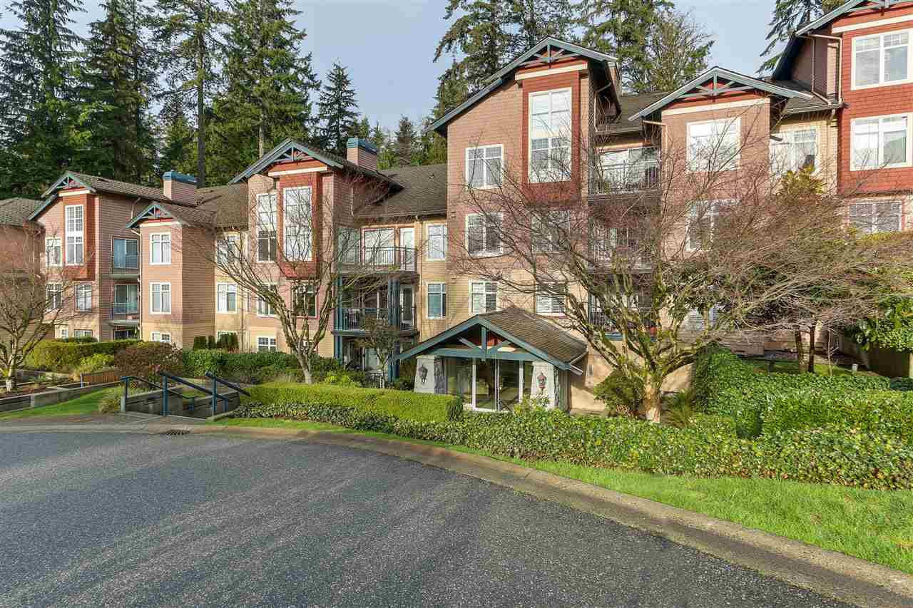 "Main Photo: 206 1144 STRATHAVEN Drive in North Vancouver: Northlands Condo for sale in ""Strathaven"" : MLS®# R2331967"