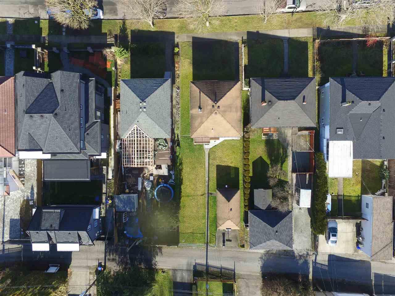 """Main Photo: 2842 E 43RD Avenue in Vancouver: Killarney VE House for sale in """"KILLARNEY"""" (Vancouver East)  : MLS®# R2338958"""