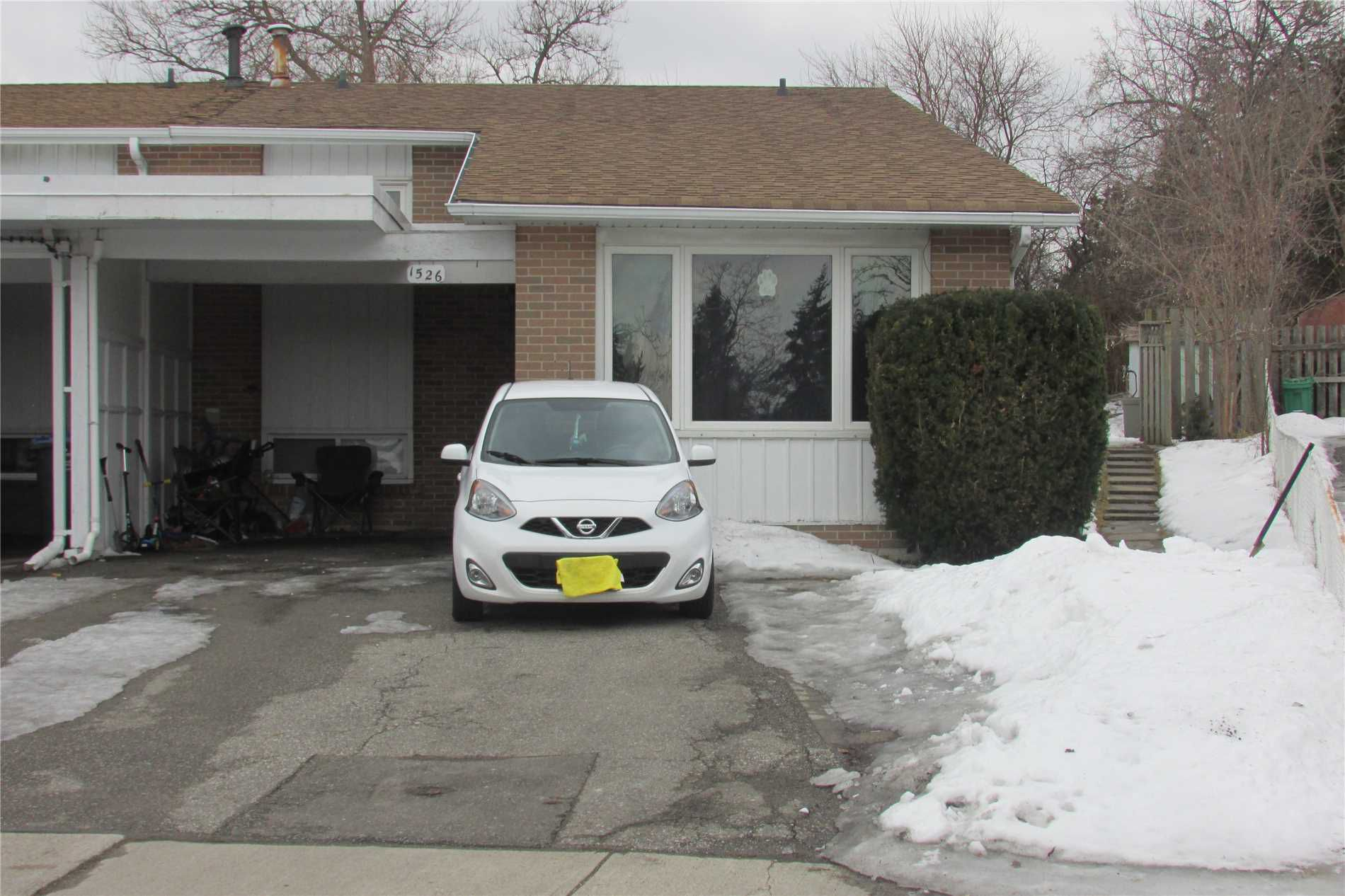 Main Photo: 1526 Swanage Crescent in Mississauga: Clarkson House (Backsplit 3) for sale : MLS®# W4379063