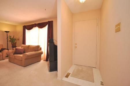 Photo 2: Photos: 39 STACEY BAY in Winnipeg: Residential for sale (Valley Gardens)  : MLS®# 1105614