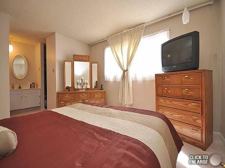 Photo 8: Photos: 39 STACEY BAY in Winnipeg: Residential for sale (Valley Gardens)  : MLS®# 1105614