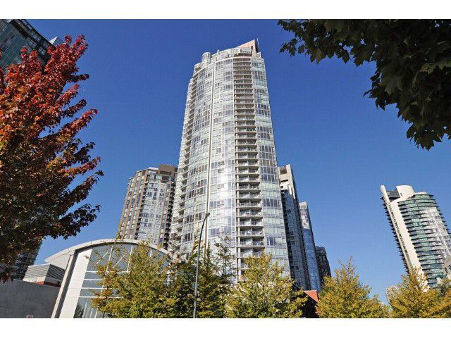 """Main Photo: 2302 1408 STRATHMORE Mews in Vancouver: Yaletown Condo for sale in """"West One"""" (Vancouver West)  : MLS®# V1086401"""