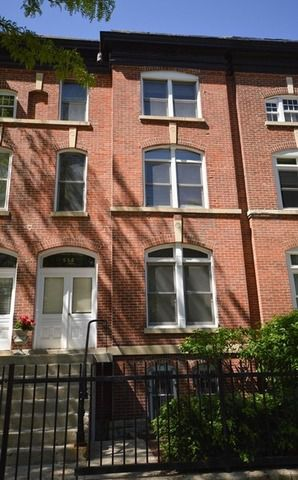 Main Photo: 556 Belden Avenue Unit 1 in CHICAGO: CHI - Lincoln Park Rentals for rent ()  : MLS®# 09118644