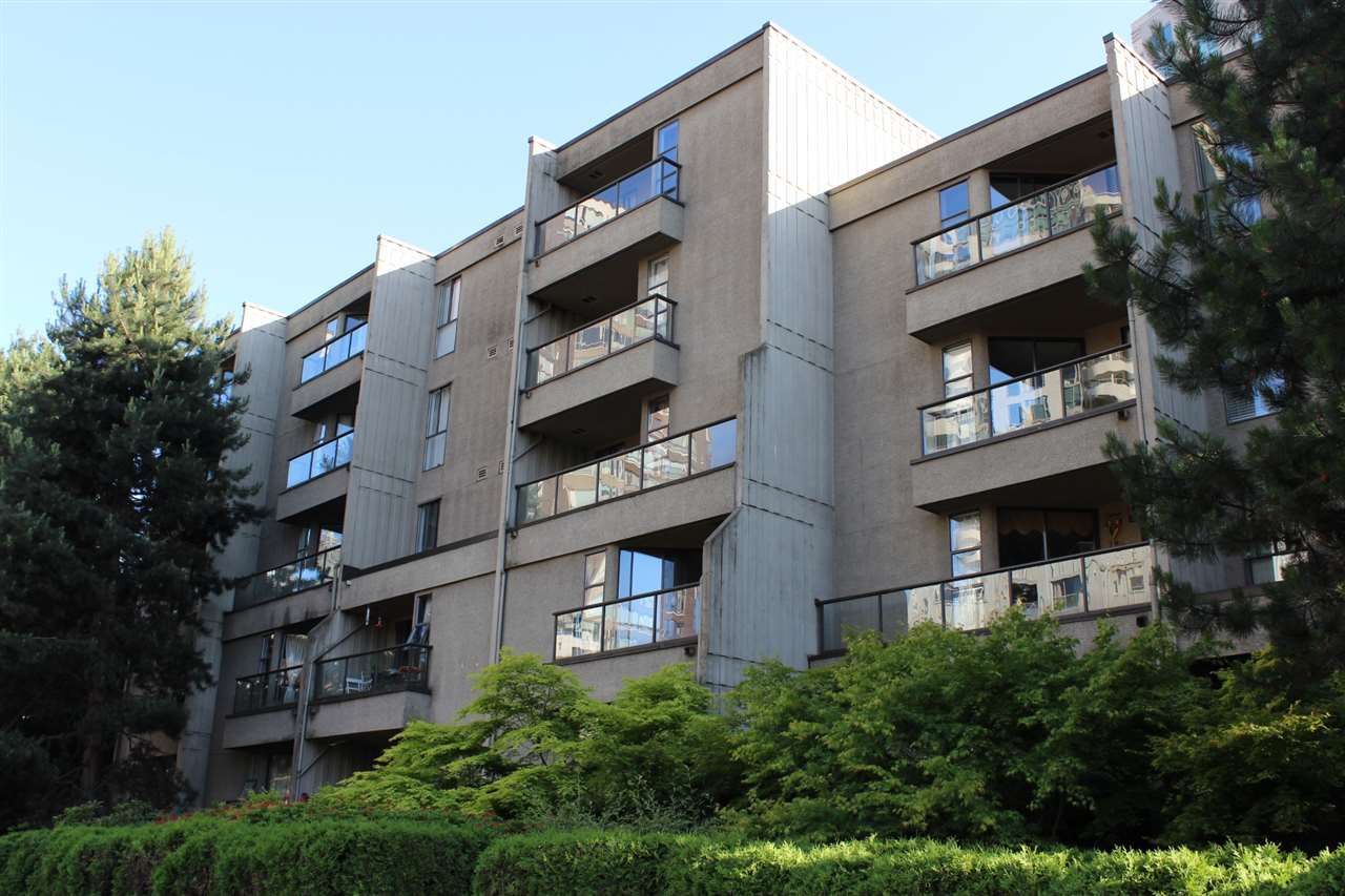 """Main Photo: 307 1040 PACIFIC Street in Vancouver: West End VW Condo for sale in """"CHELSEA TERRACE"""" (Vancouver West)  : MLS®# R2183958"""