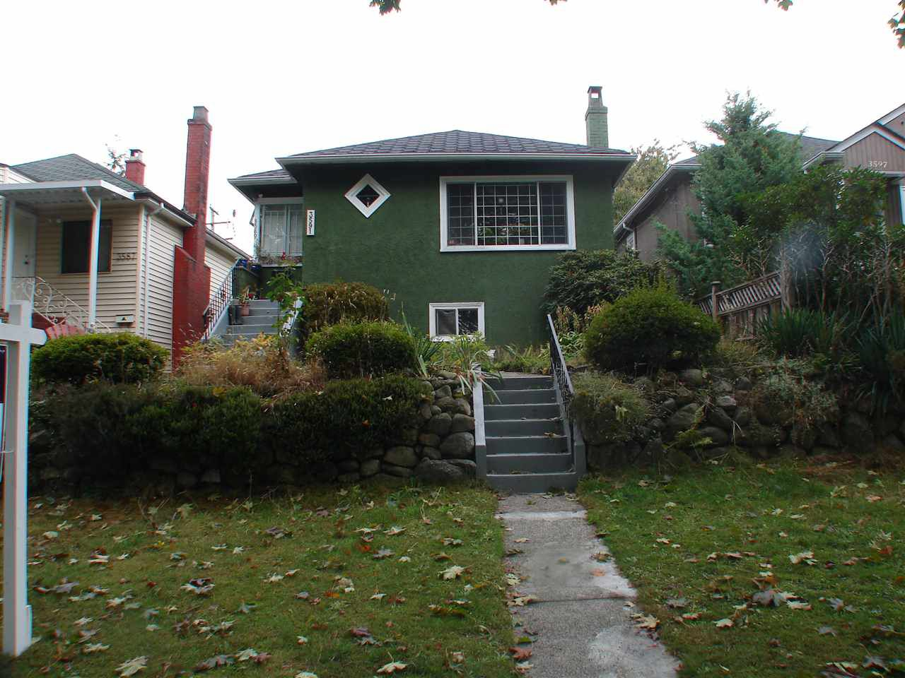 Main Photo: 3591 E PENDER Street in Vancouver: Renfrew VE House for sale (Vancouver East)  : MLS®# R2211535