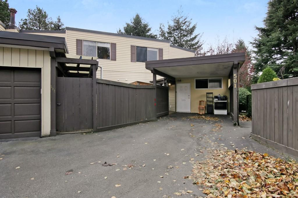 """Main Photo: 501 2445 WARE Street in Abbotsford: Central Abbotsford Townhouse for sale in """"Lakeside Terrace"""" : MLS®# R2219739"""