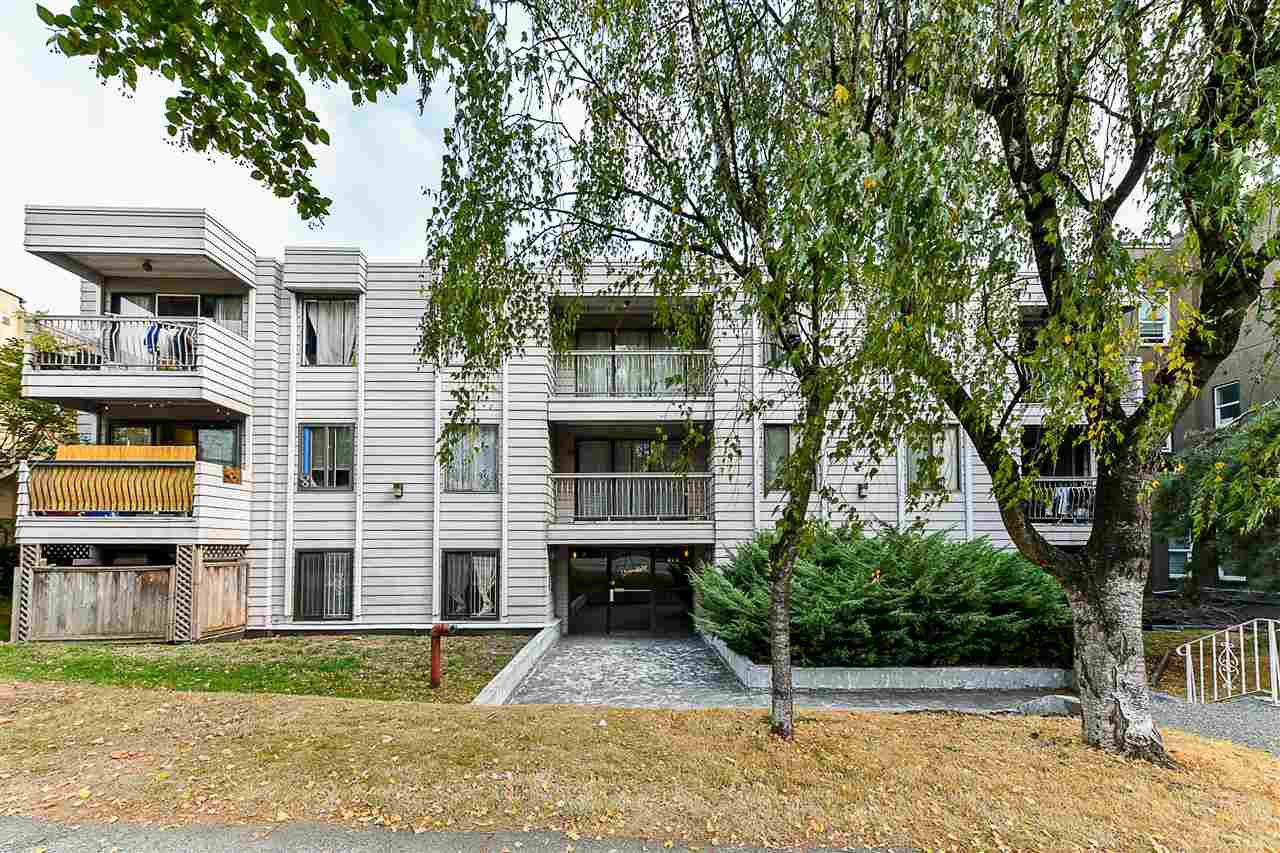 "Main Photo: 304 813 E BROADWAY in Vancouver: Mount Pleasant VE Condo for sale in ""BROADHILL MANOR"" (Vancouver East)  : MLS®# R2314350"