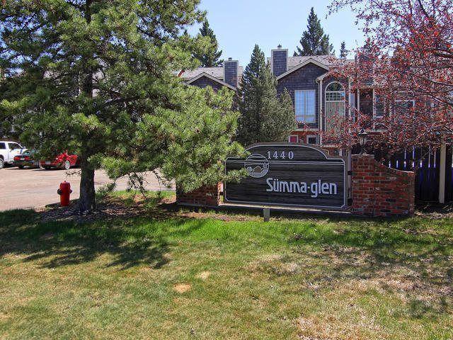 Main Photo: 30 1440 SHERWOOD Drive: Sherwood Park Townhouse for sale : MLS®# E4133291