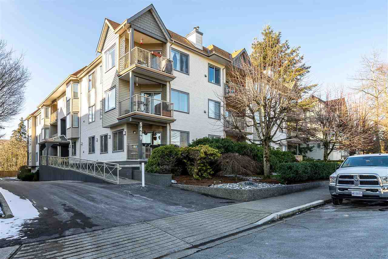 """Main Photo: 107 5489 201 Street in Langley: Langley City Condo for sale in """"Canim Court"""" : MLS®# R2339169"""