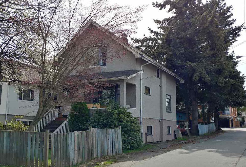 Main Photo: 2028 E 27TH Avenue in Vancouver: Victoria VE House for sale (Vancouver East)  : MLS®# R2341961