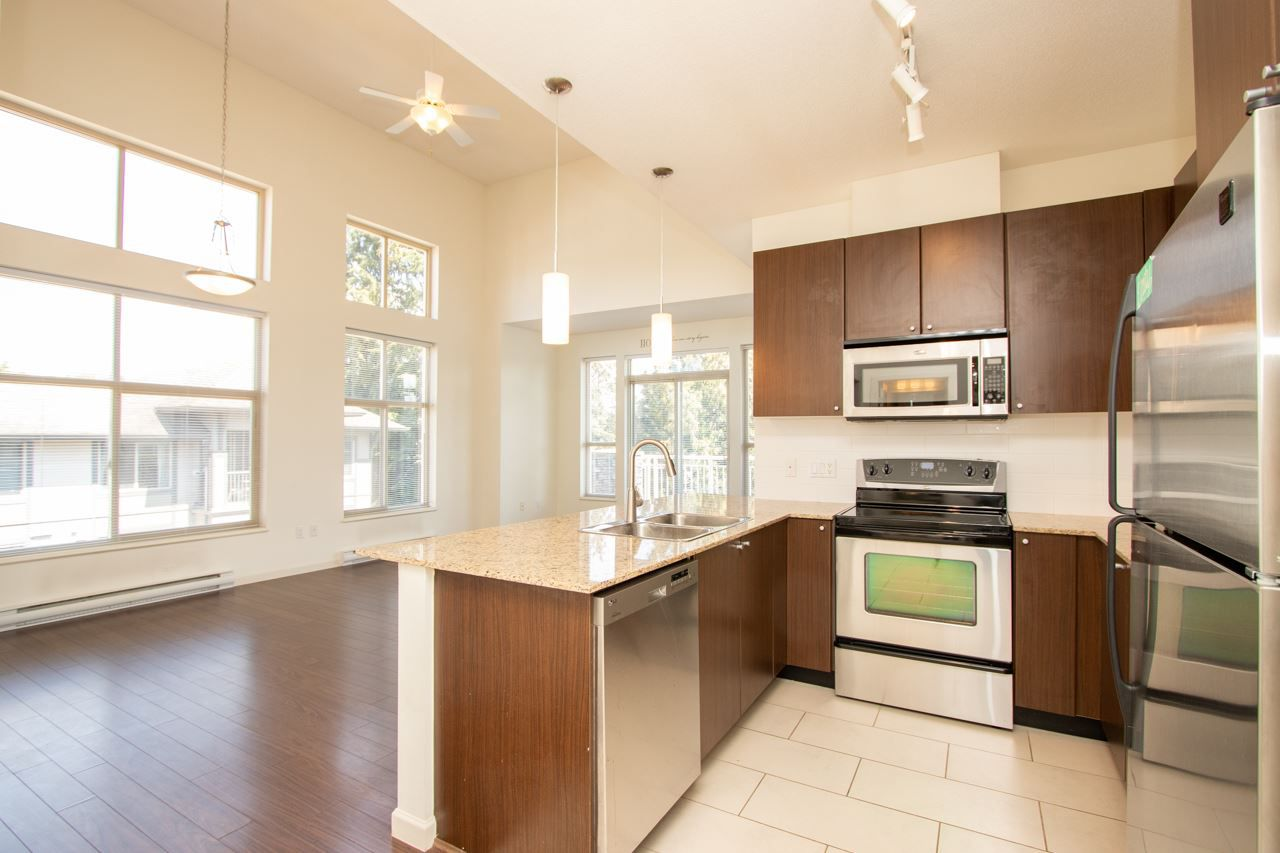 """Main Photo: 414 2477 KELLY Avenue in Port Coquitlam: Central Pt Coquitlam Condo for sale in """"SOUTH VERDE"""" : MLS®# R2363259"""