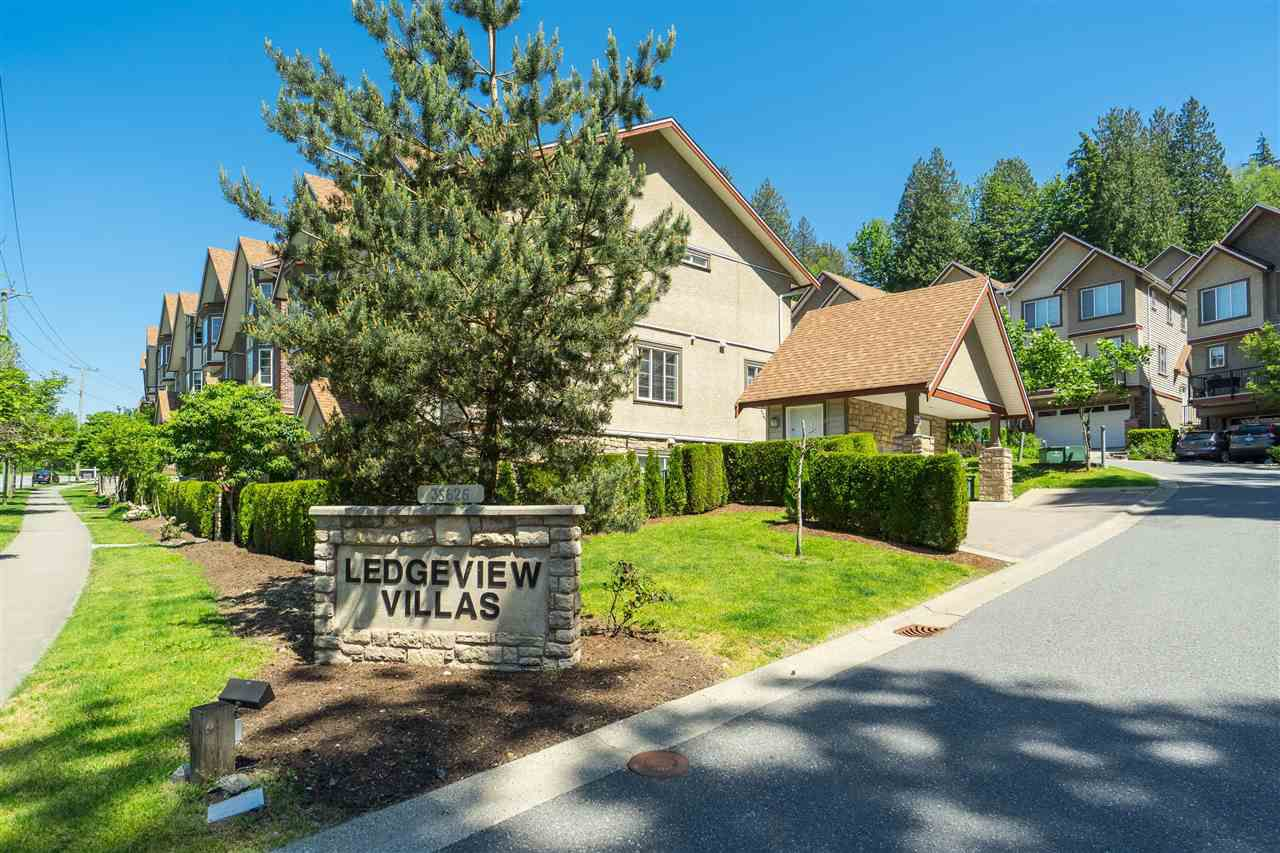 """Main Photo: 30 35626 MCKEE Road in Abbotsford: Abbotsford East Townhouse for sale in """"LEDGEVIEW VILLAS"""" : MLS®# R2373677"""