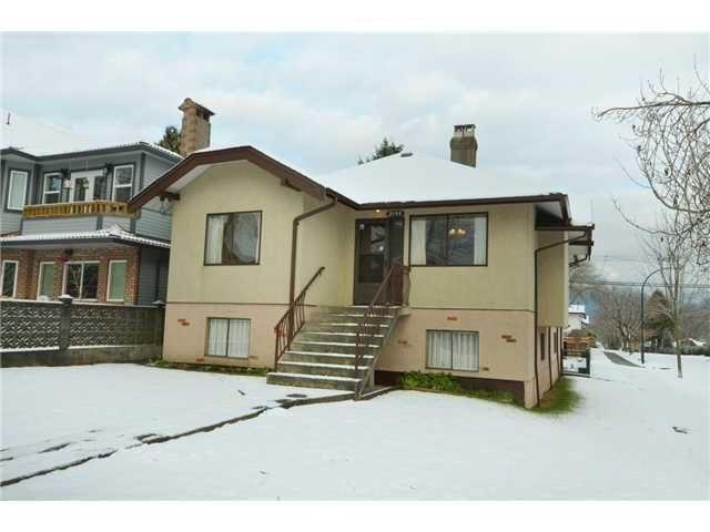 """Main Photo: 2195 NAPIER Street in Vancouver: Grandview VE House for sale in """"Grandview"""" (Vancouver East)  : MLS®# V926100"""
