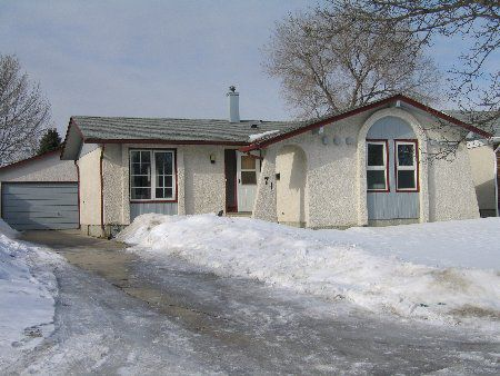 Main Photo: 71 Mutchmor Close: Residential for sale (East Kildonan)  : MLS®# 2402522