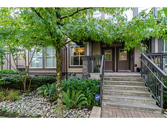 """Main Photo: 313 E 15TH Street in North Vancouver: Central Lonsdale Townhouse for sale in """"Avondale"""" : MLS®# V1032037"""