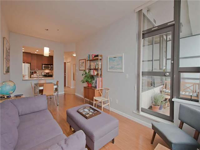 """Main Photo: # 707 1010 HOWE ST in Vancouver: Downtown VW Condo for sale in """"1010 HOWE"""" (Vancouver West)  : MLS®# V1040637"""