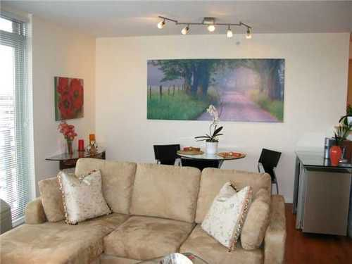 Main Photo: 1102 1570 7TH Ave W in THE TERRACES ON 7TH: Fairview VW Home for sale ()