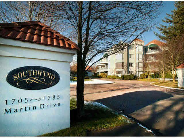 "Main Photo: 306 1745 MARTIN Drive in Surrey: Sunnyside Park Surrey Condo for sale in ""SOUTHWYND"" (South Surrey White Rock)  : MLS®# F1425130"
