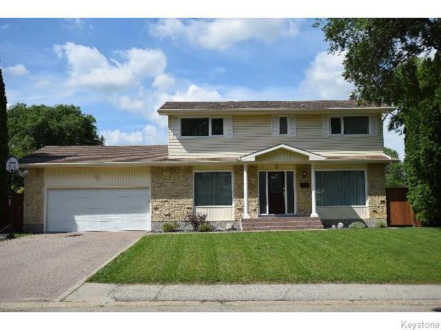 Main Photo: 5 Laurel Bay in WINNIPEG: West Kildonan / Garden City Residential for sale (North West Winnipeg)  : MLS®# 1519423
