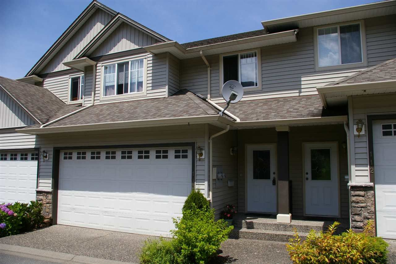 Main Photo: 113 46360 VALLEYVIEW Road in Sardis: Promontory Townhouse for sale : MLS®# R2081875