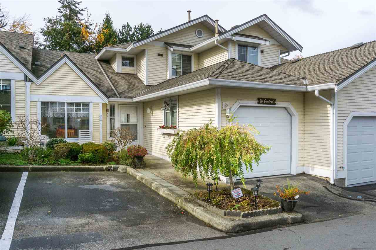 "Main Photo: 30 8737 212 Street in Langley: Walnut Grove Townhouse for sale in ""Chartwell Green"" : MLS®# R2142745"