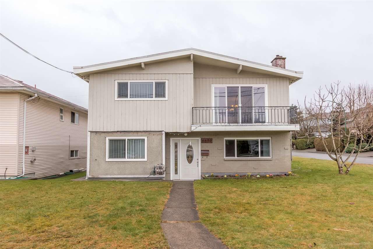 Main Photo: 6650 COLBORNE Avenue in Burnaby: Upper Deer Lake House for sale (Burnaby South)  : MLS®# R2148136