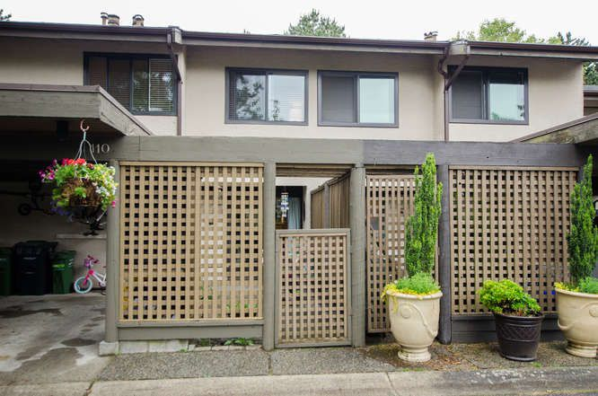 "Main Photo: 110 11491 7TH Avenue in Richmond: Steveston Village Townhouse for sale in ""Mariners Village"" : MLS®# R2172287"