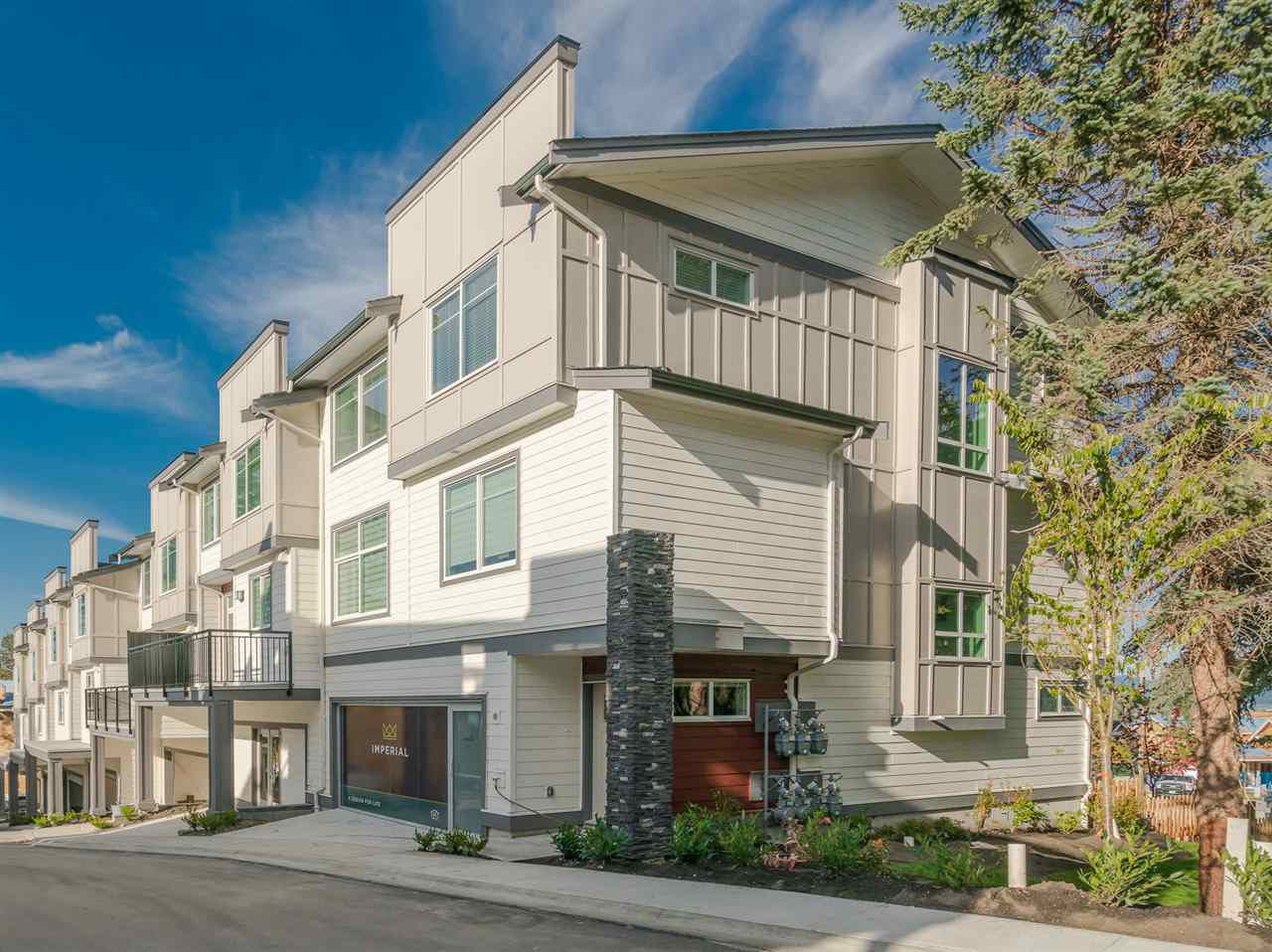"""Main Photo: 8 15633 MOUNTAIN VIEW Drive in Surrey: Grandview Surrey Townhouse for sale in """"Imperial"""" (South Surrey White Rock)  : MLS®# R2212553"""