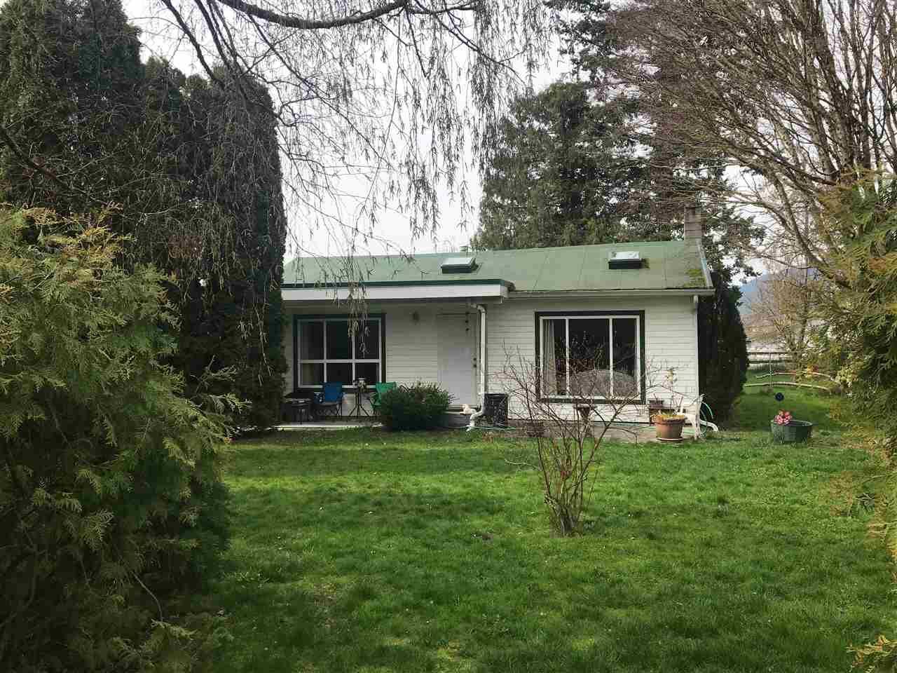 Main Photo: 5455 LICKMAN Road in Sardis - Greendale: Greendale Chilliwack House for sale (Sardis)  : MLS®# R2256307