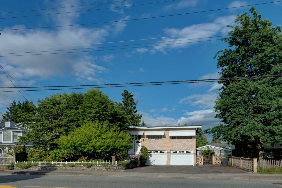 Main Photo: 685 BLUE MOUNTAIN Street in Coquitlam: Central Coquitlam House for sale : MLS®# R2283086