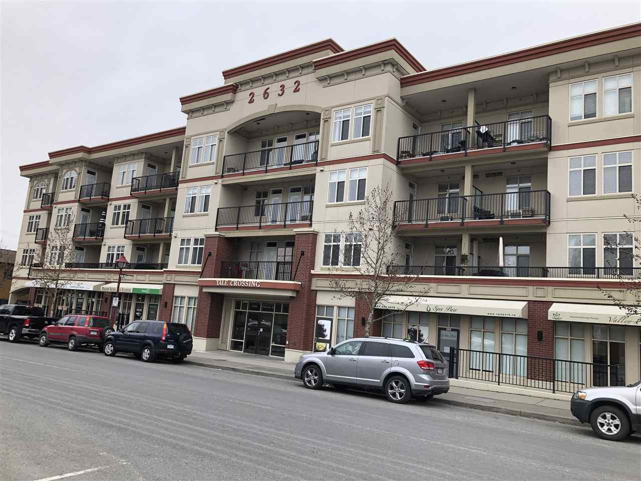 """Main Photo: 206 2632 PAULINE Street in Abbotsford: Central Abbotsford Condo for sale in """"Yale Crossing"""" : MLS®# R2345124"""