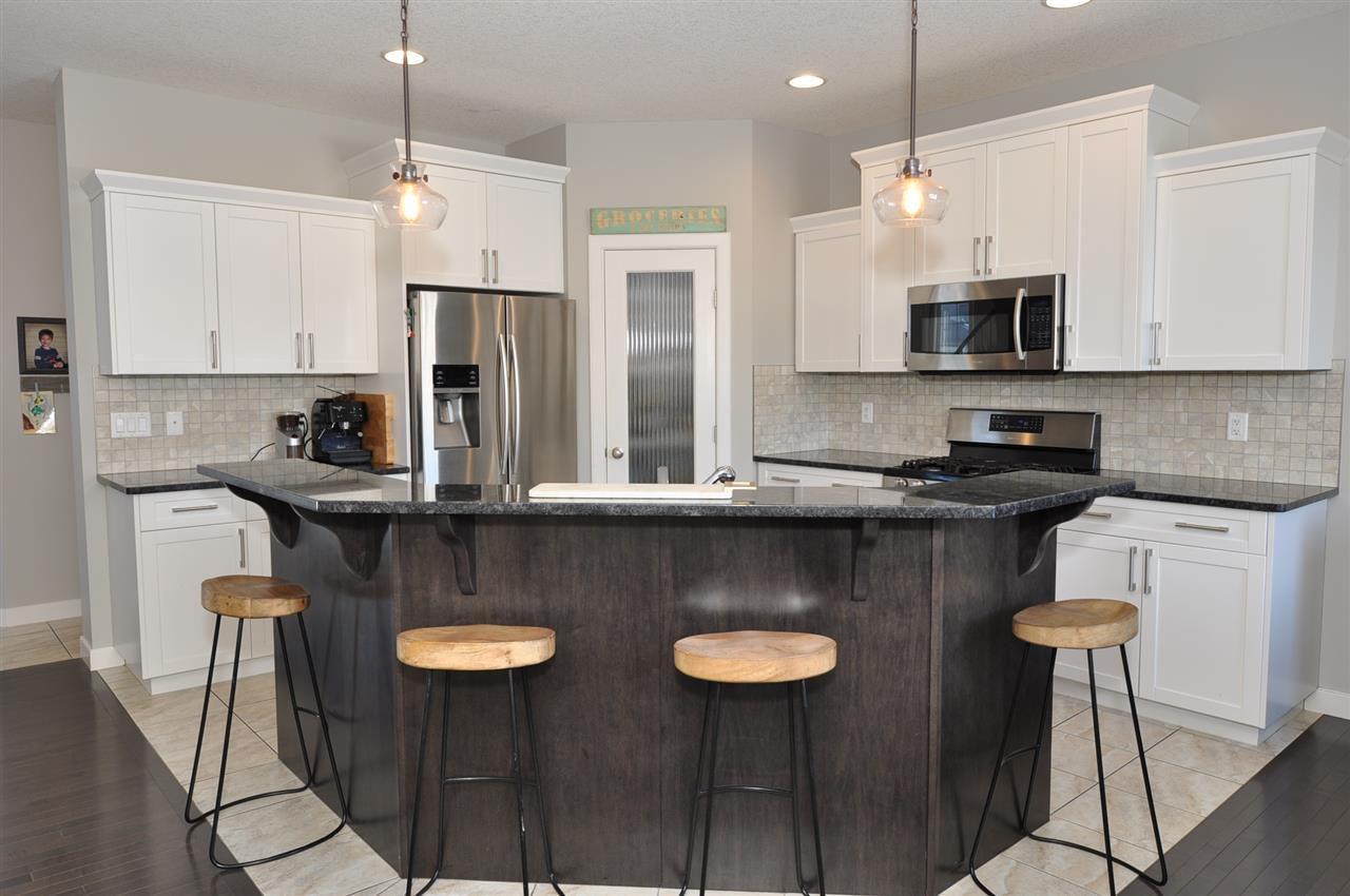 Photo 8: Photos: 9602 83 Avenue: Morinville House for sale : MLS®# E4148008