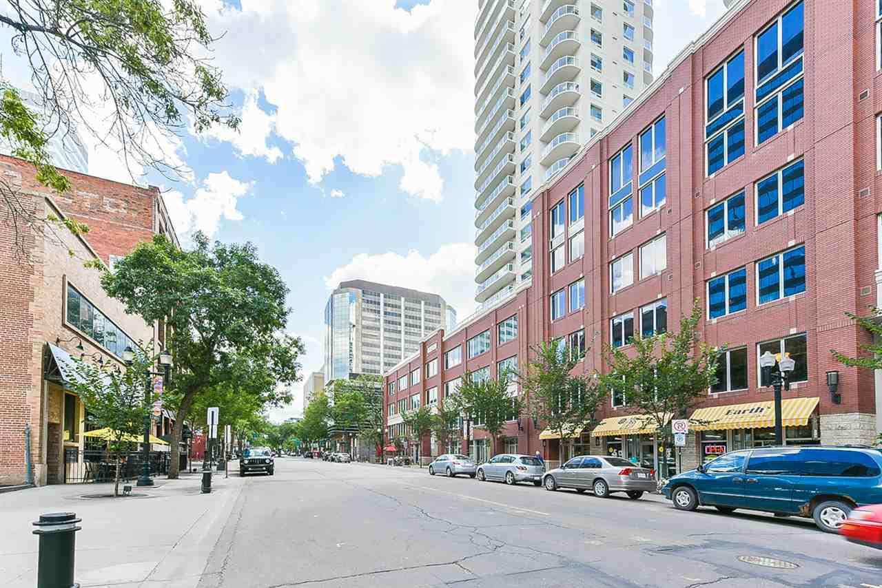 Main Photo: 706 10180 104 Street in Edmonton: Zone 12 Condo for sale : MLS®# E4148694