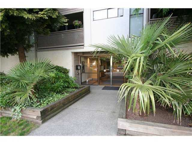 Main Photo: # 402 423 AGNES ST in New Westminster: Downtown NW Condo for sale : MLS®# V1007421