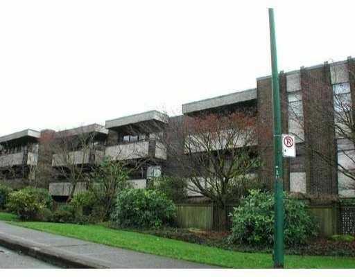 Main Photo: 304 2416 W 3RD AV in Vancouver: Kitsilano Condo for sale (Vancouver West)  : MLS®# V594593